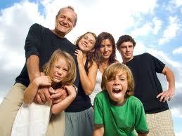 Familia feliz Reformas baños